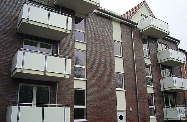 Hamburg-Mehrfamilienhaus-Meiendorfer-Strasse