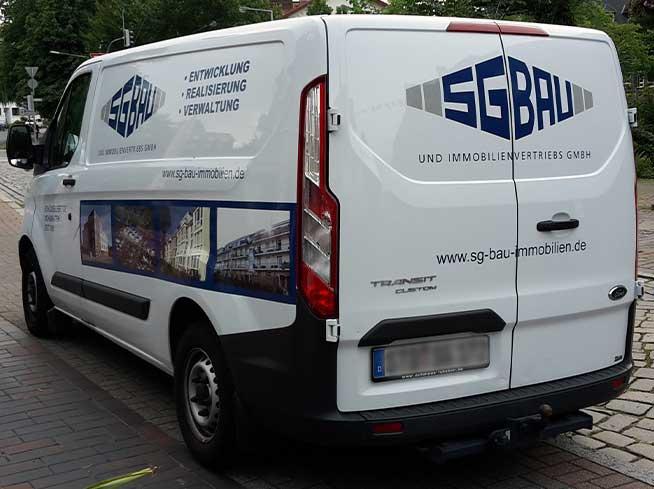 Firmenwagen der SG-Bau Immobilienvertriebs GmbH aus Buxtehude